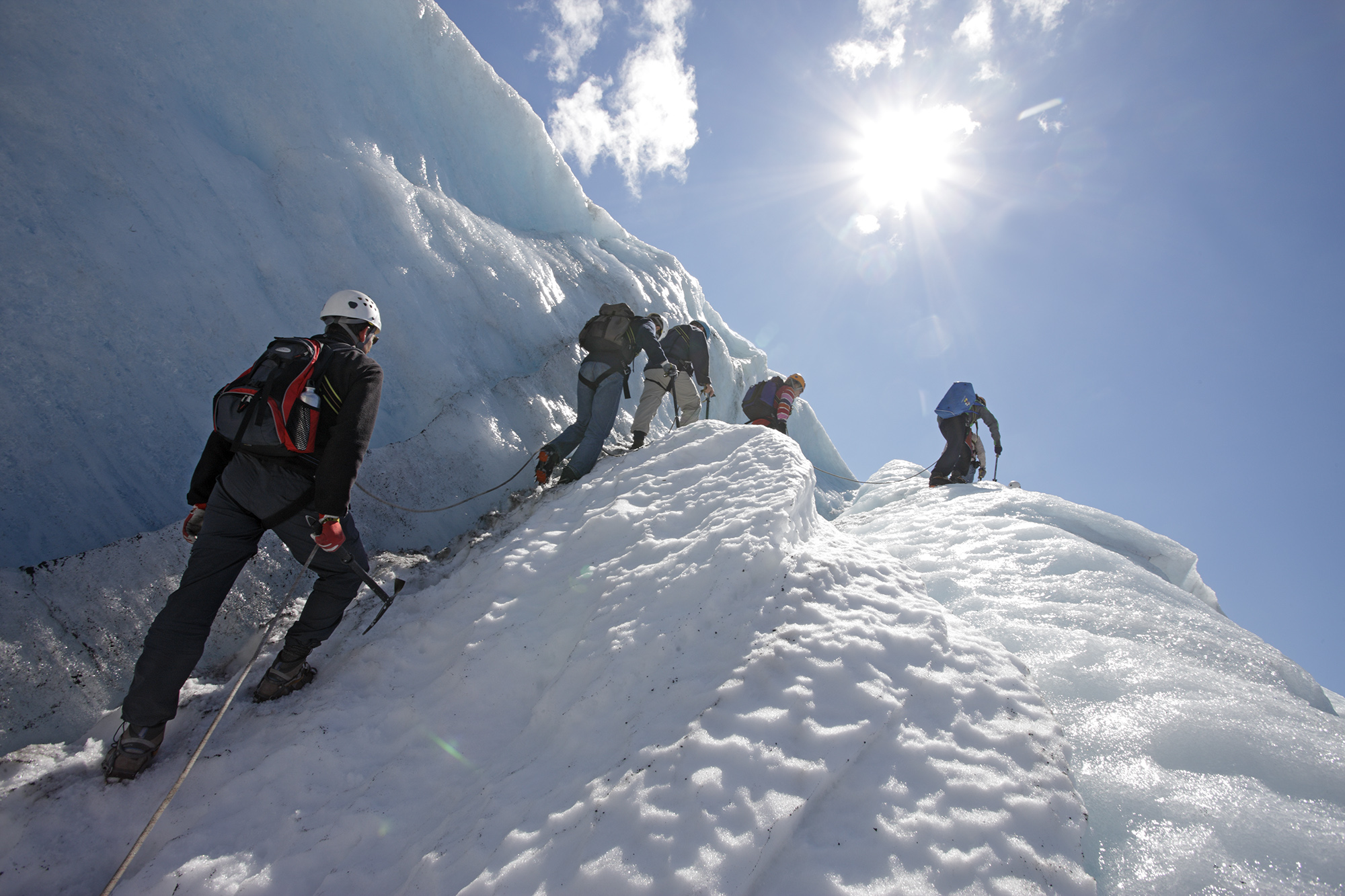 Bretur over Juklavassbreen med guide