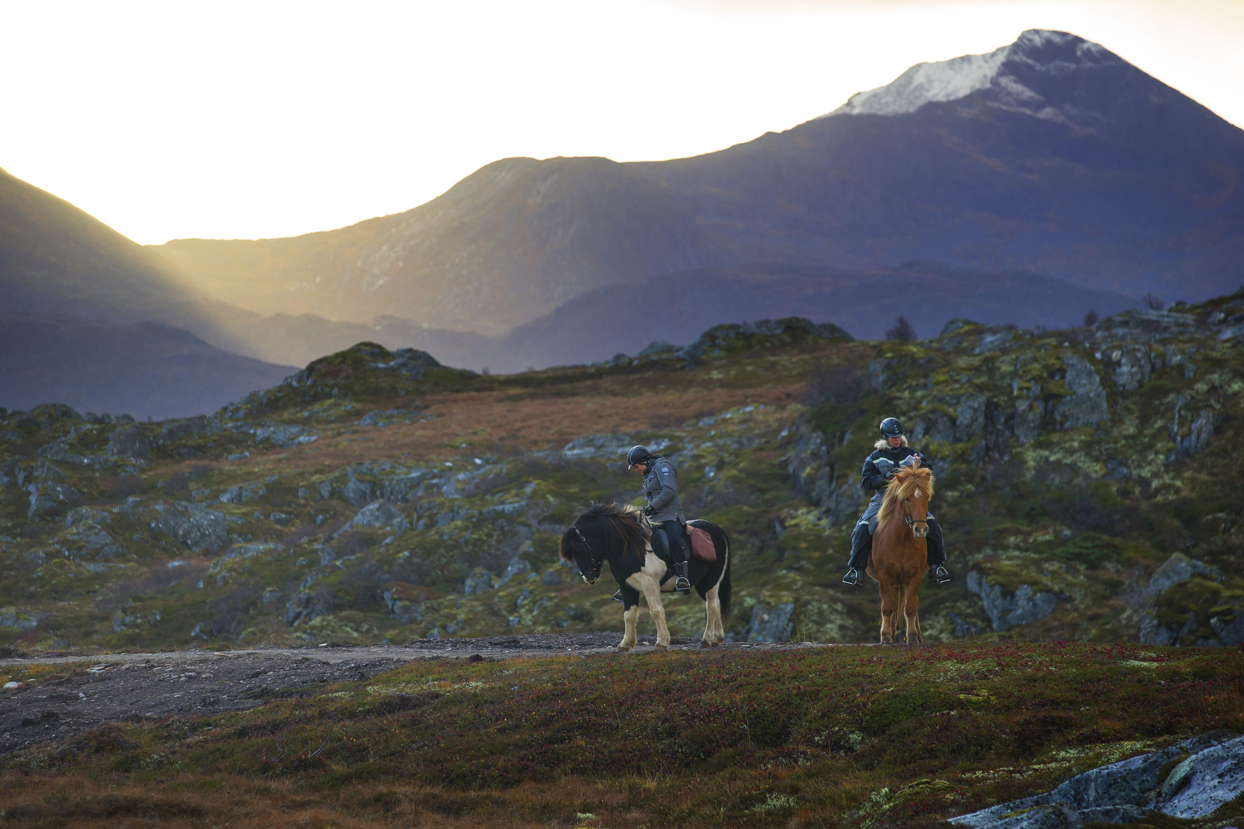 Heldagstur til Hovsund og Vinjedalen